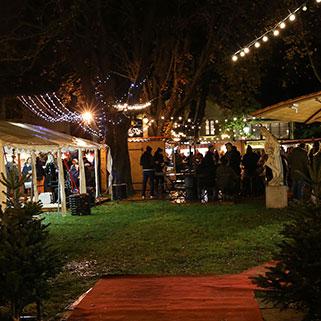 Ambiance du marché de Noël à L'Isle-sur-La-Sorgue